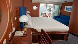 MV Santa Cruz Boat-deck-master-suite