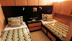 Tip Top III Lower-cabins3-6