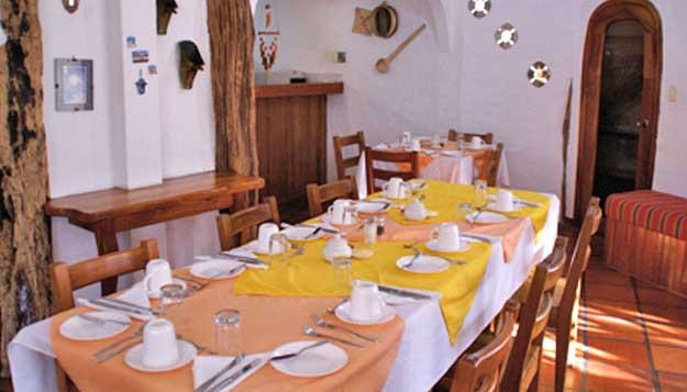 Hostal Mainao dining