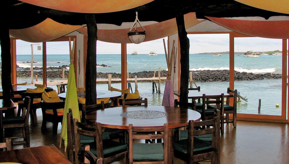 Red Mangrove Aventura Lodge dining