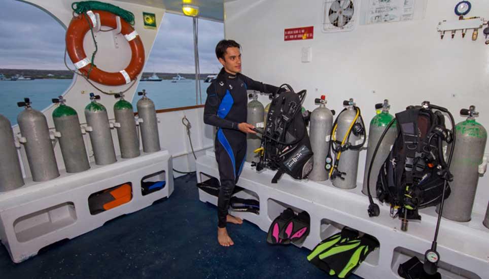 Galaexplorer diving rigs