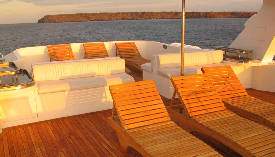 Tip Top IV sun deck