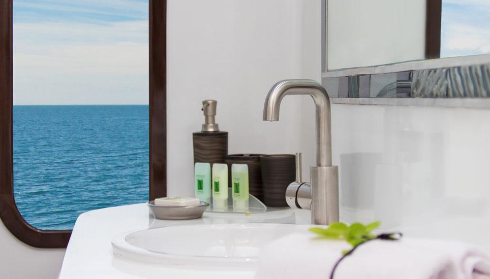 En-suite bathroom on Natural Paradise